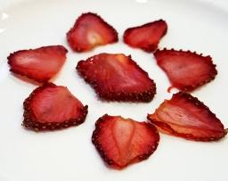 Healthy snacks – fruit and veg crisps